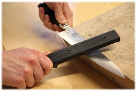 veitsen_teroittaminen_veitsen_teroittaja_veitsen_teroitus_keittiveitset_kokkiveitset_veitsi_veitset